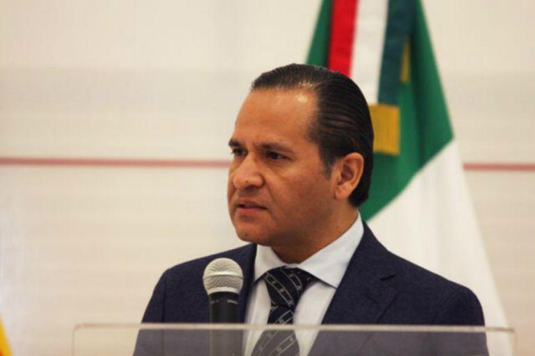 Almaguer desestima petición de juicio político en su contra
