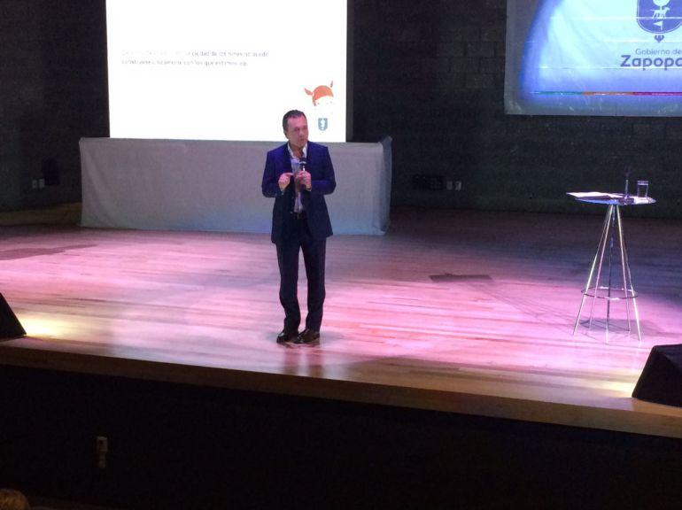 Pablo Lemus presenta programa para mejorar calidad de vida