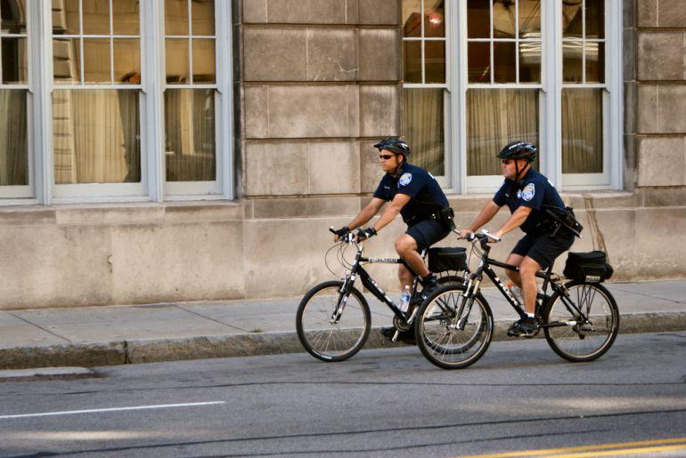 Promete Marco Valerio que comprarán cascos para policías ciclistas