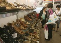 Hasta ventas nocturnas promocionarían autoridades para llevar clientes a Feria del Calzado
