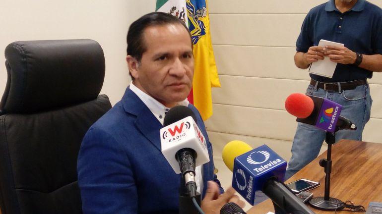 Sierra Cabrera, es acusado de amenazar de muerte al alcalde legitimo Rodolfo Ruvalcaba Muñoz, para que dejara el cargo