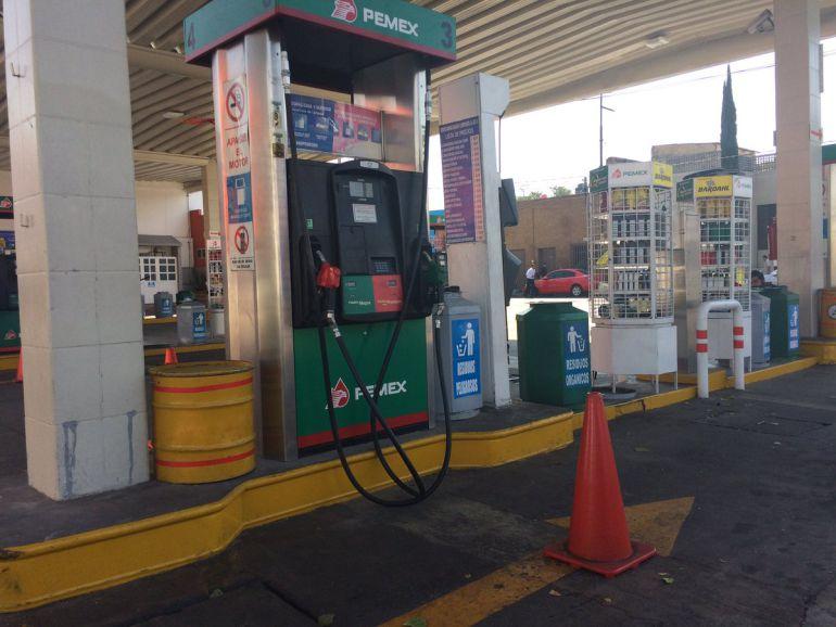 Desabasto en gasolineras es por las compras de pánico: PEMEX