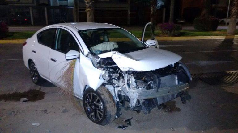Comediante choca su auto en Zapopan
