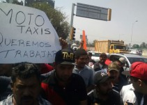 Mototaxistas se manifiestan en Tlajomulco