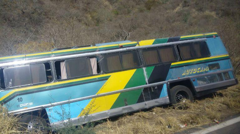 Conductor provoca accidente tras quedarse dormido
