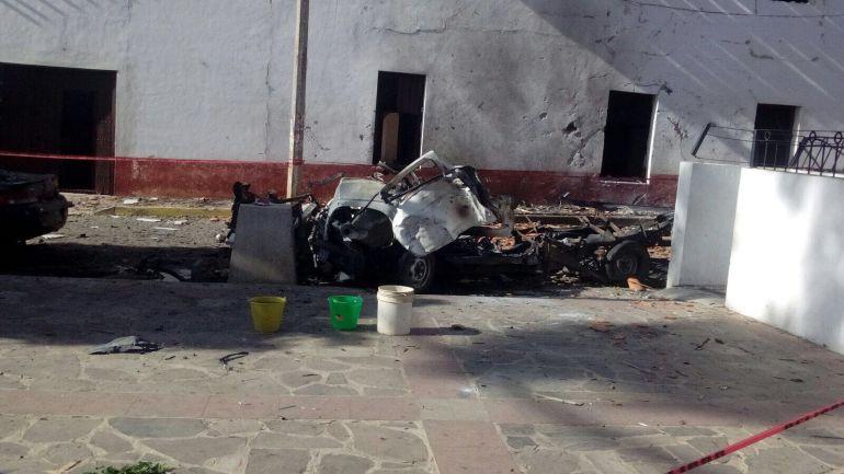 Explota una camioneta con pólvora; mueren una mujer y dos niñas