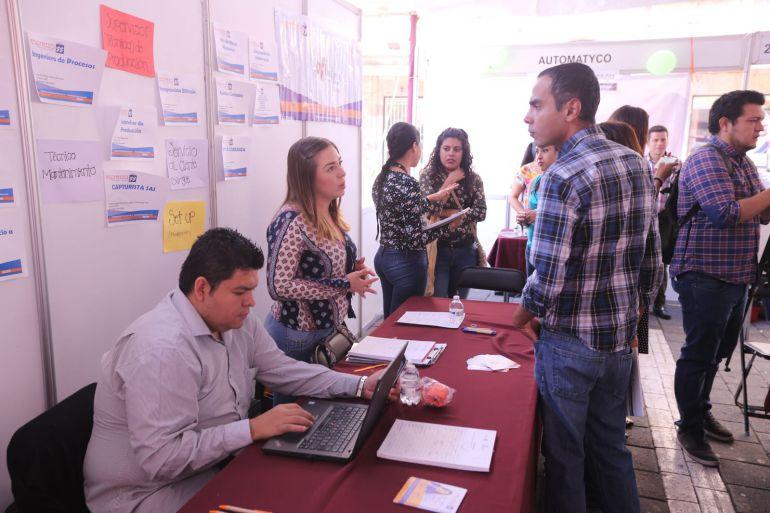 Inauguran Feria del Empleo en Plaza Universidad