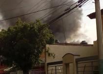 Aparatoso incendio en una casa en Zapopan