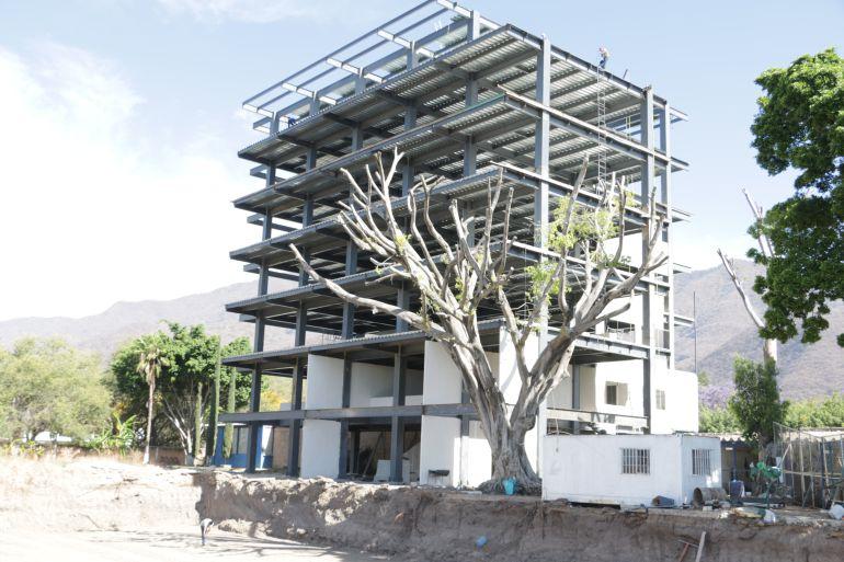 Desarrollo vertical irregular se construye en Chapala