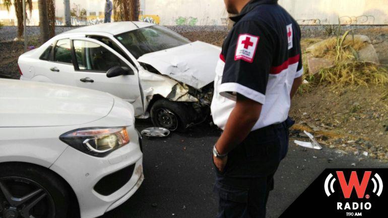 Choque deja cuatro lesionados en Leñadores y avenida Inglaterra