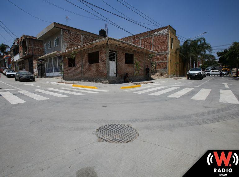 Enrique Alfaro entrega obras públicas en la Colonia Lomas del Gallo