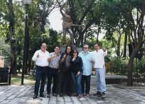 Reinauguran estatua de Alex Lora en el parque Agua Azul