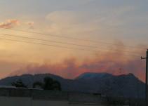 Bomberos de Zapopan intentan sofocar incendios en la zona de las Mesas