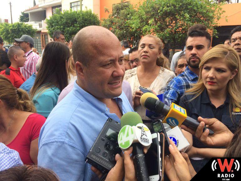 """Padres de familia piden apoyo a Alfaro para solucionar problemas del programa """"Escuelas al 100"""""""