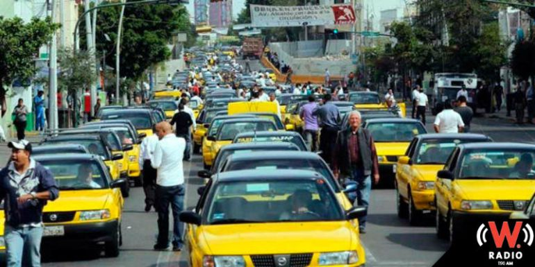 Mas de mil 500 taxis a la espera de obtener permiso