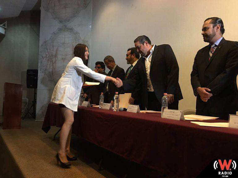 SSJ reconoce a médicos que terminaron su servicio en Hospital General de Occidente
