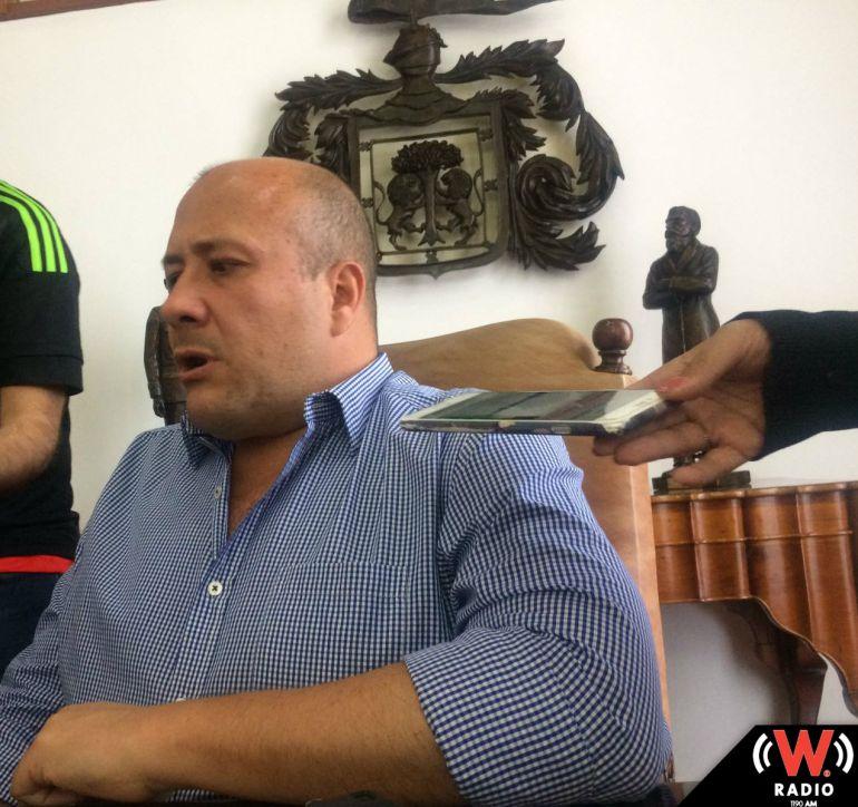 Alfaro firmará licencia en caso de reprobar la ratificación de mandato