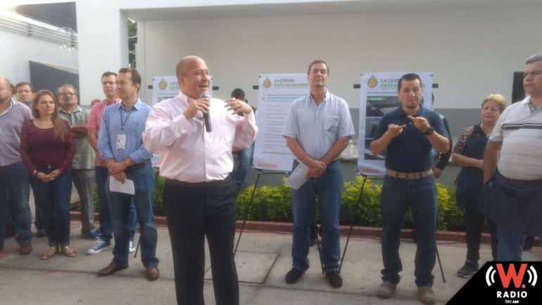 Entregan la renovación de los primeros mercados en Guadalajara