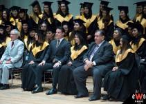 Primera generación de docentes bilingües recién graduados no tienen plaza segura