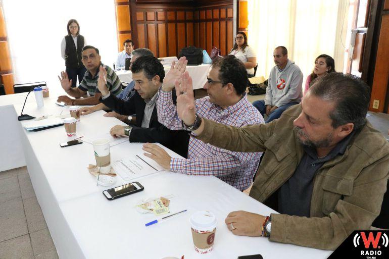 Ayuntamiento tapatío comprará escultura millonaria al vocalista de Cuca