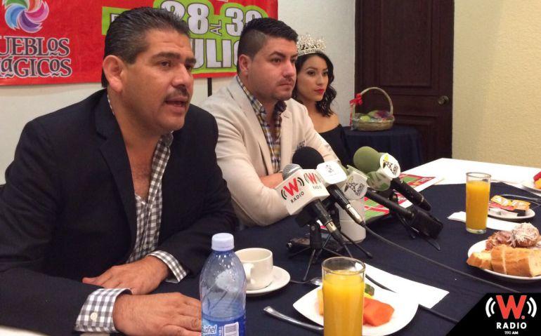 Pide el alcalde de Ixtlahuacán terminen reparación de carretera Guadalajara a Chapala