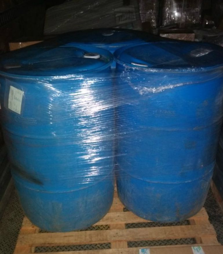 Investigan a hombre que transportaba 600 litros de tolueno