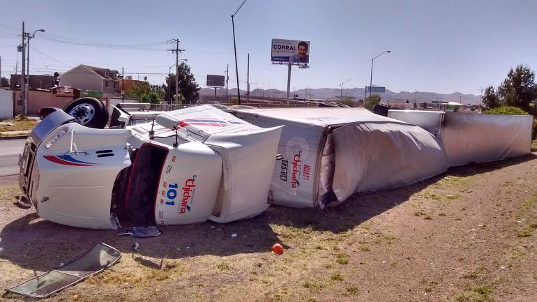 Camiones de carga circulan sin seguros