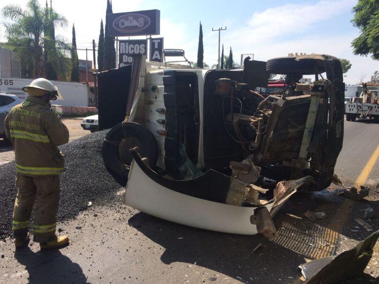 Continúan accidentes con camiones de carga en carretera Chapala – Gdl