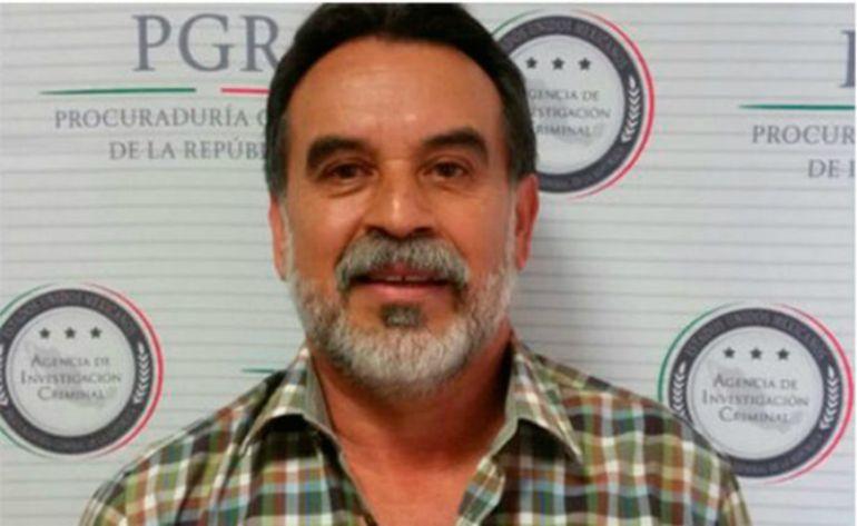 Hijo de Raúl Flores,