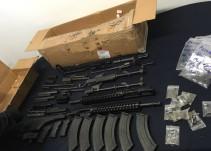 Decomisan caja con piezas para ensamblar armas en el Aeropuerto de Guadalajara