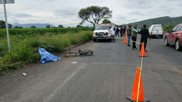 Arrollan a ciclista en Zacoalco de Torres