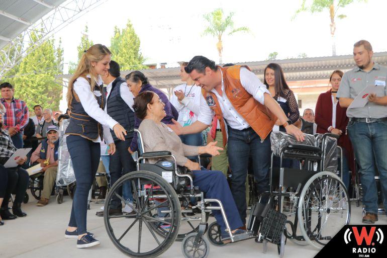 Entregan apoyos al municipio de Yahualica
