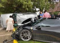 Choca auto Ferrari y una camioneta en Zapopan