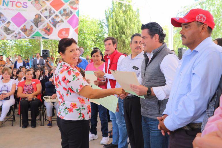 Gobierno de Jalisco entrega apoyo a secundaria foránea de Colotlán