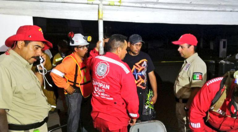 Designan a Bomberos de Zapopan al mando de cuadrillas internacionales en labores de rescate en Morelos