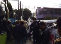 Agricultores se manifiestan a las afueras de la SEDER