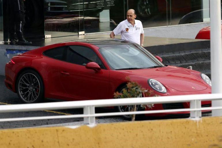 Delegado del IMSS niega que Porsche sea suyo