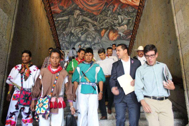 Pide Miguel Castro a la comunidad Wixarika a desbloquear los caminos
