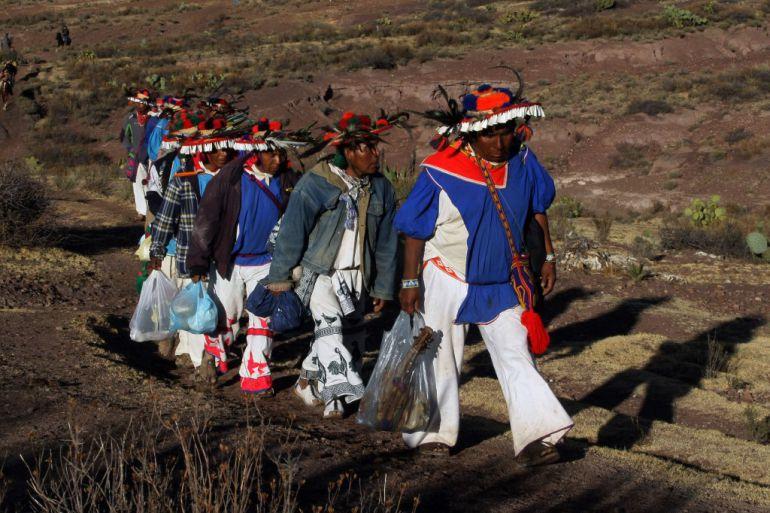Analizan peticiones en el ámbito educativo de la comunidad Santa Catarina