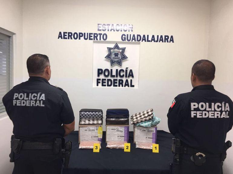 Detienen a una mujer con 22 capsulas de cocaína en el Aeropuerto