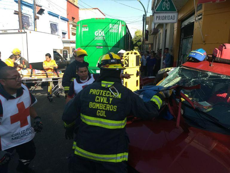 Accidente en el trasporte público deja cerca de 20 lesionados