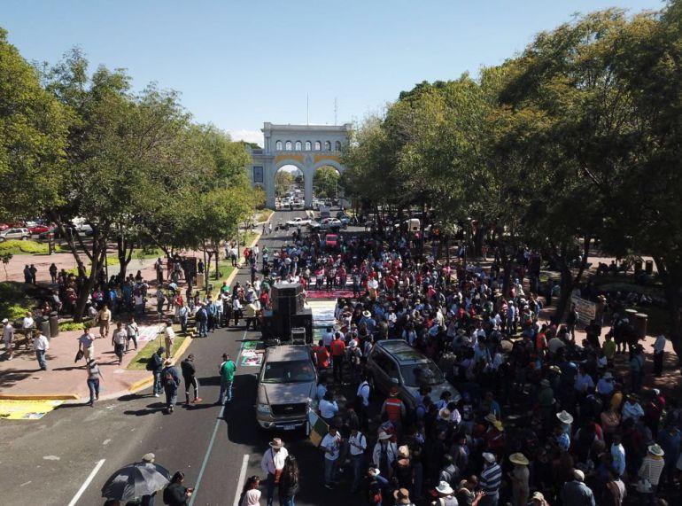 Integrantes de la CNTE en Jalisco protestan contra la Reforma Educativa