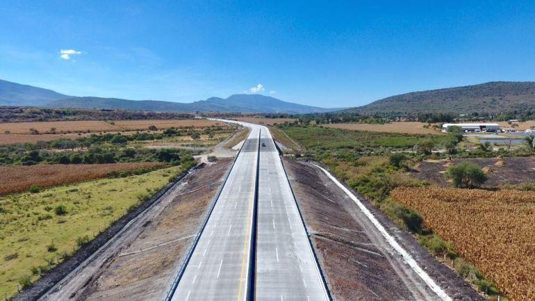 Inauguran 111 kilómetros del Macrolibramiento