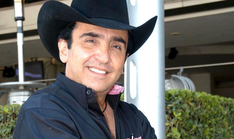 Vicente Fernández Jr. se registra como candidato independiente en Jalisco