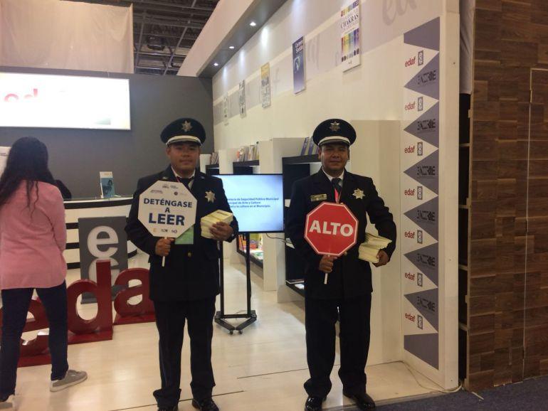Policías de Puebla incentivan la lectura