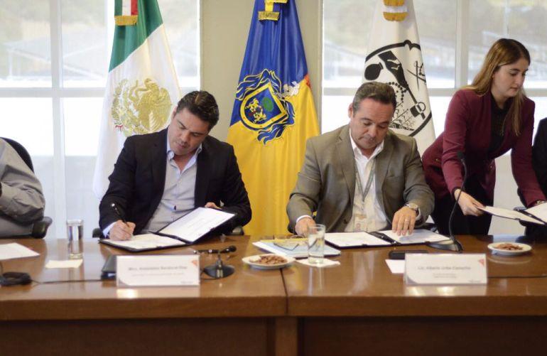 Se comprometen a llevar agua potable a colonias de Tlajomulco