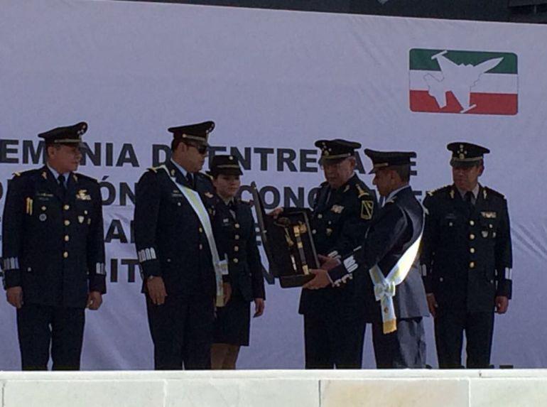 Se jubila el Jefe Máximo de la Fuerza Aérea Mexicana