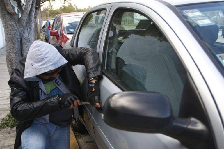 Contemplan multas hasta por 200 mil pesos para quien robe autopartes