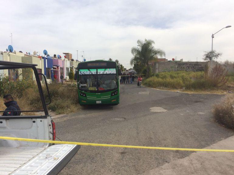 Localizan el cuerpo de un hombre dentro de una unidad de transporte público