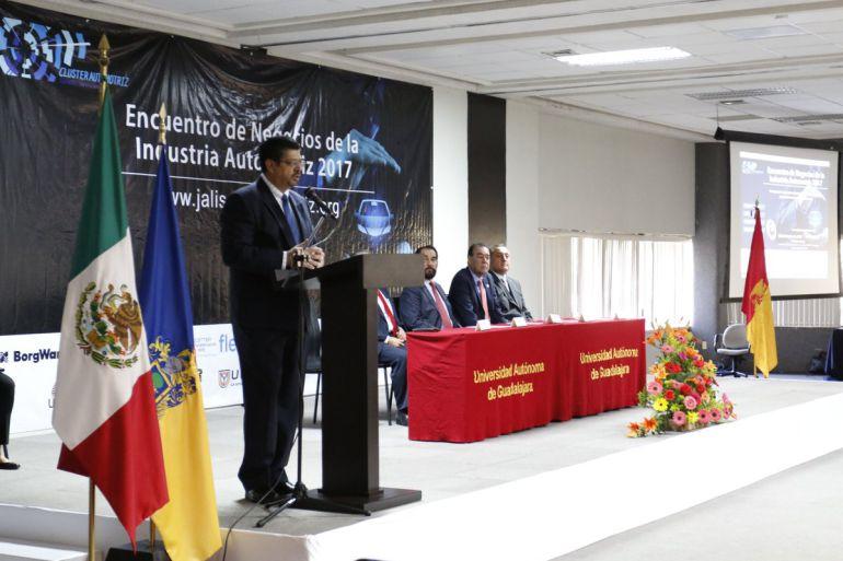 Automóviles fabricados en México cumplen con estándares internacionales: Juan Herrán